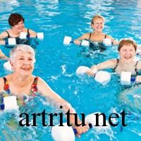 Плавание в бассейне при артрите
