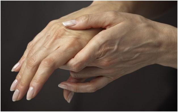 Скованность суставов по утрам симптомы какой болезни