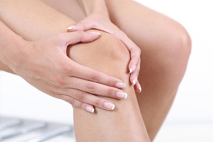 Дисторсия коленного сустава - виды, симптомы и лечение