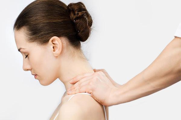 Пальпация шеи при первичном осмотре врача