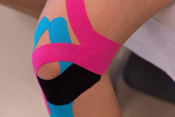 Лечение повреждений коллатеральных связок с помощью тейп-ленты