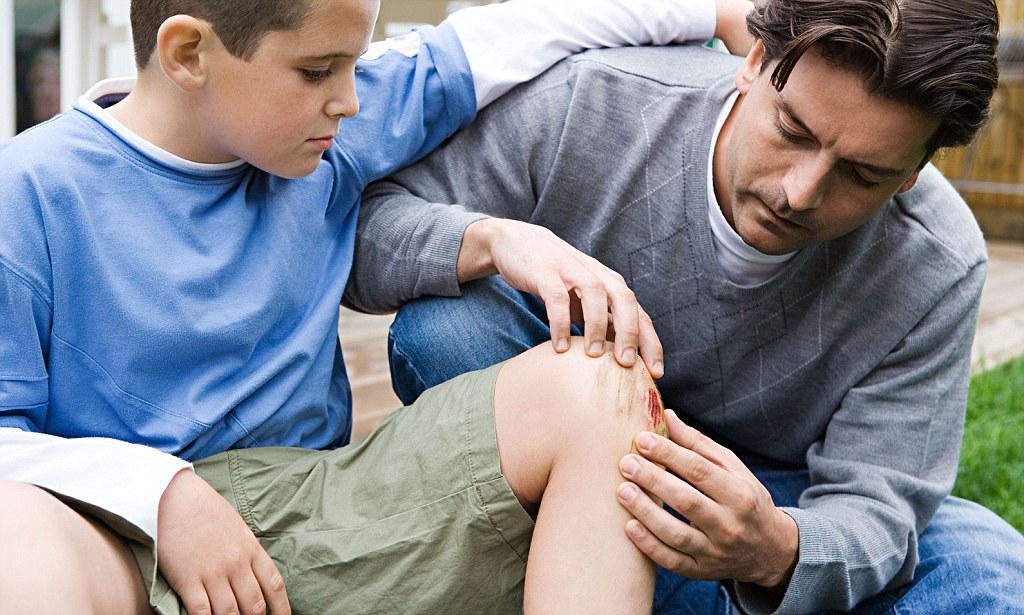 Изображение - Первая помощь при растяжении связок коленного сустава simptomy-rastyazheniya-svyazok-kolennogo-sustava-1024x615