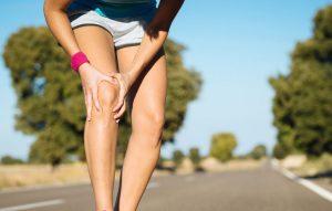 Чрезмерные нагрузки на колено могут привести к травмам