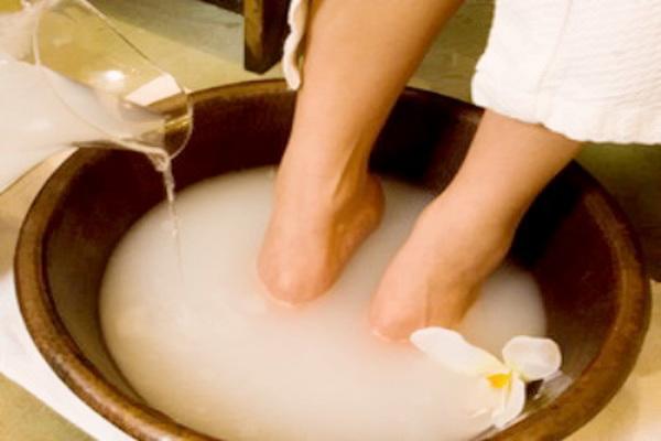 Содовые ванны для лечения ног