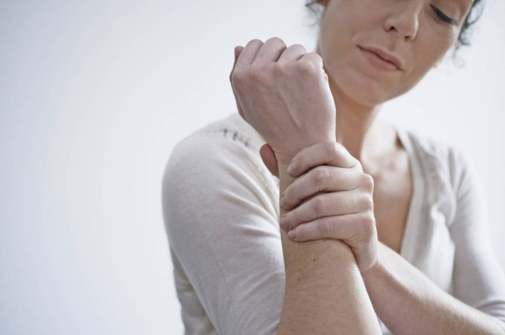 Перенапряжение мышц кисти